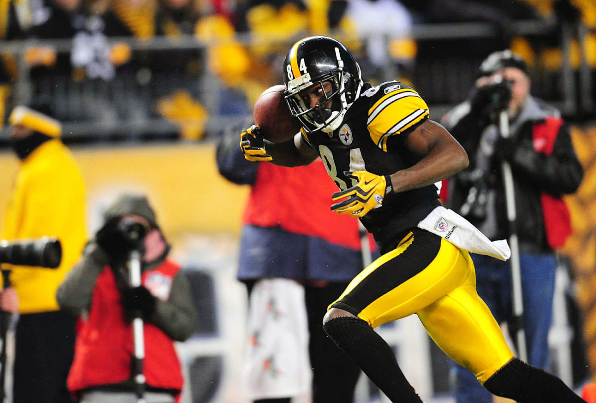 Antonio Brown makes a juggling catch in the January 2011 playoff game.