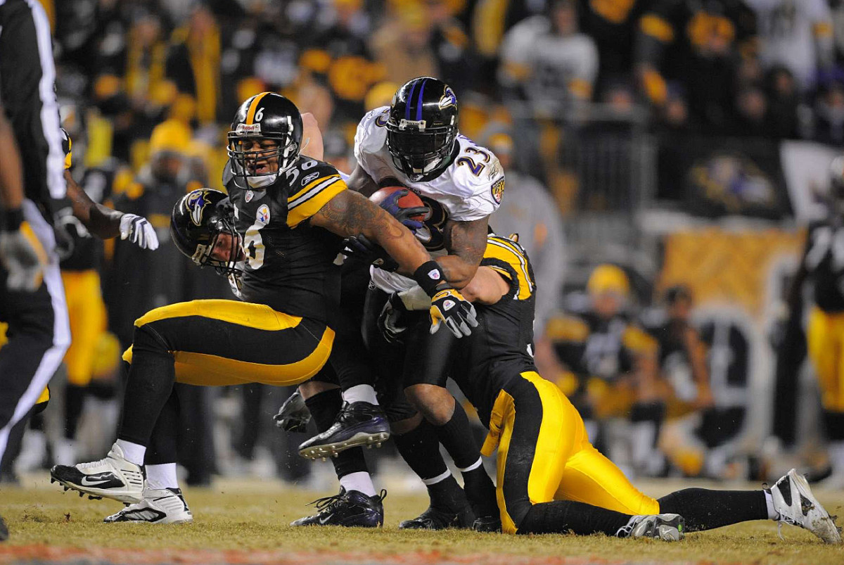 Casey Hampton and the Steelers D back up against Willis McGahee in the January 2009 AFC title game.