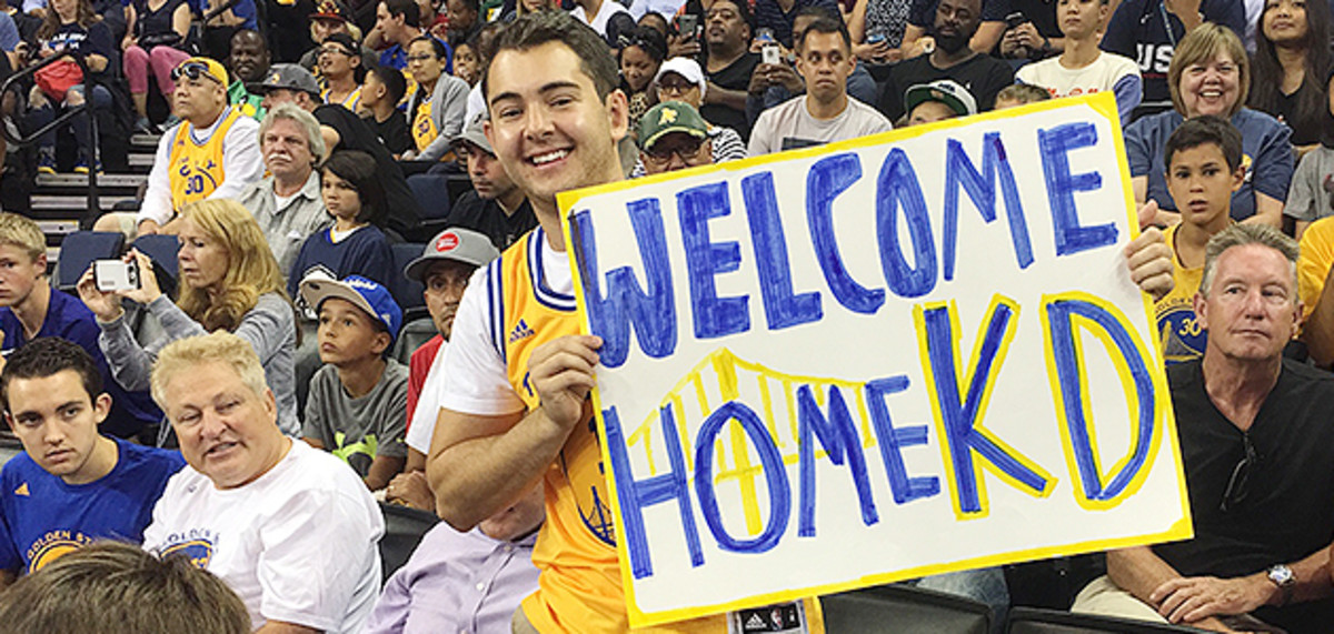 kevin-durant-warriors-oracle-arena-sign.jpg