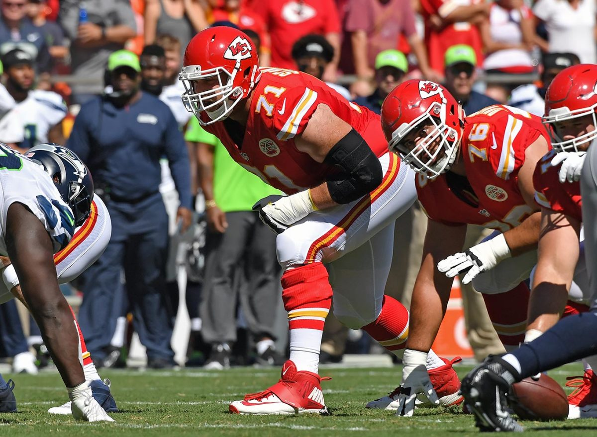 Mitchell-Schwartz-Kansas-City-Chiefs.jpg