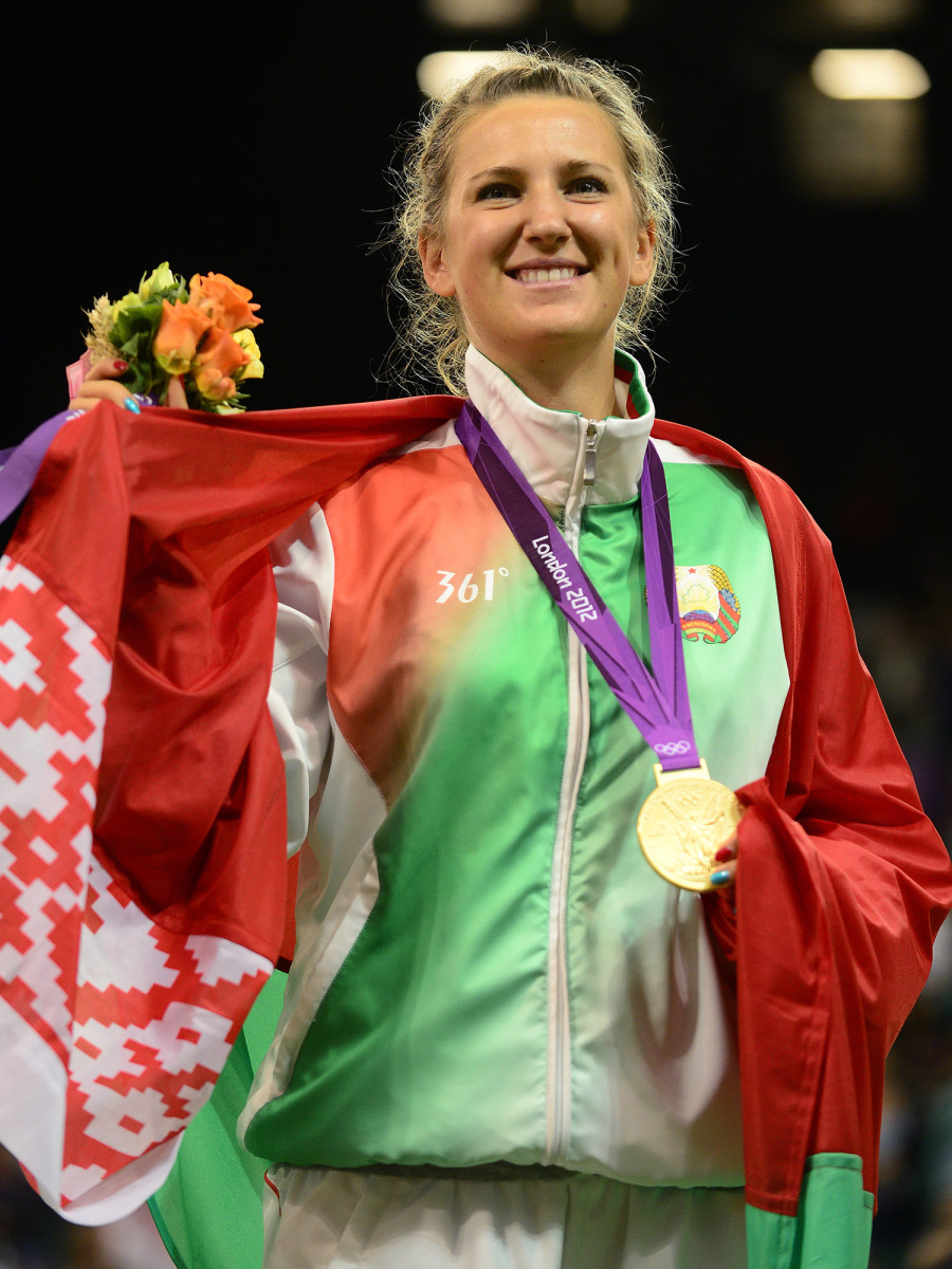 victoria-azarenka-medal-london.jpg