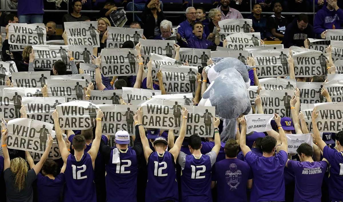 2016-0220-Washington-Huskies-student-fans.jpg