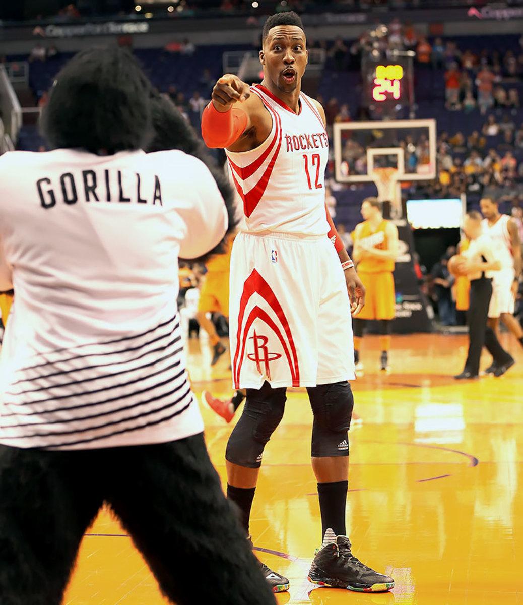 2016-0219-Dwight-Howard-Suns-Gorilla-YYP_4991.jpg