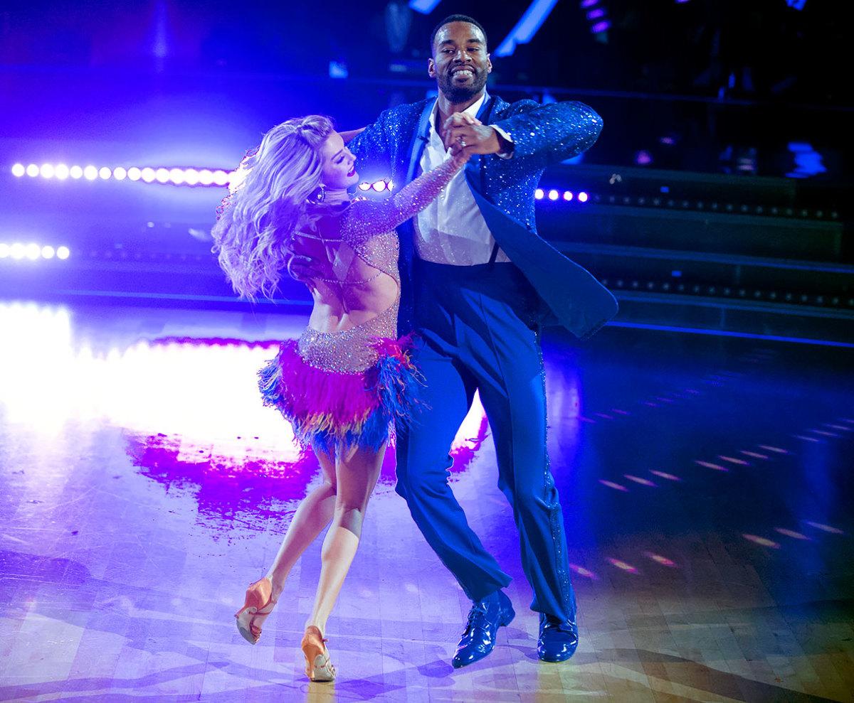 Calvin-Johnson-Lindsay-Arnold-Dancing-with-the-Stars.jpg