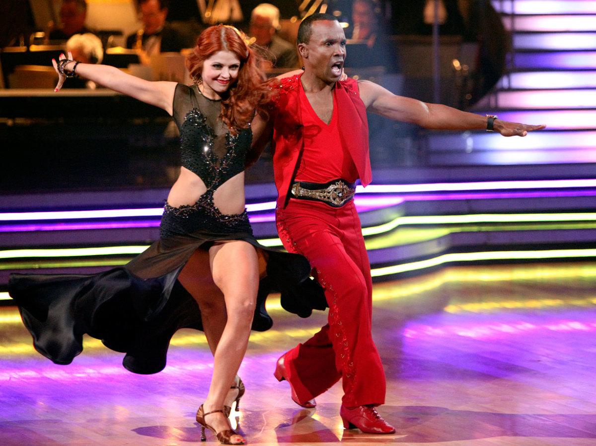 sugar-ray-leonard-anna-trebunskaya-dancing-with-the-stars.jpg