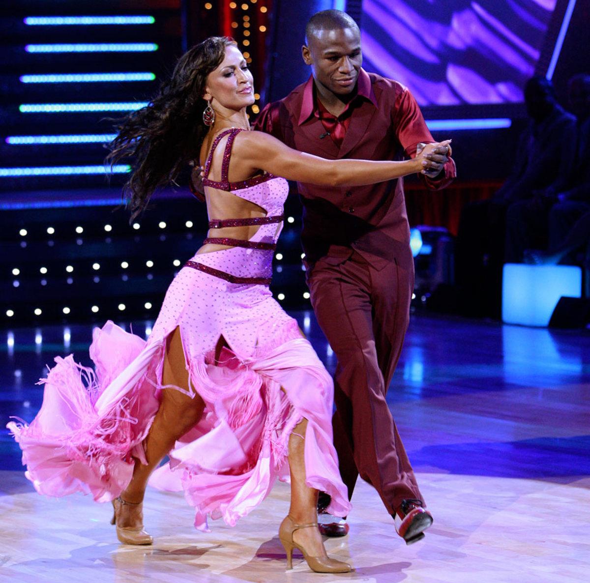 floyd-mayweather-jr-karina-smirnoff-dancing-with-the-stars.jpg