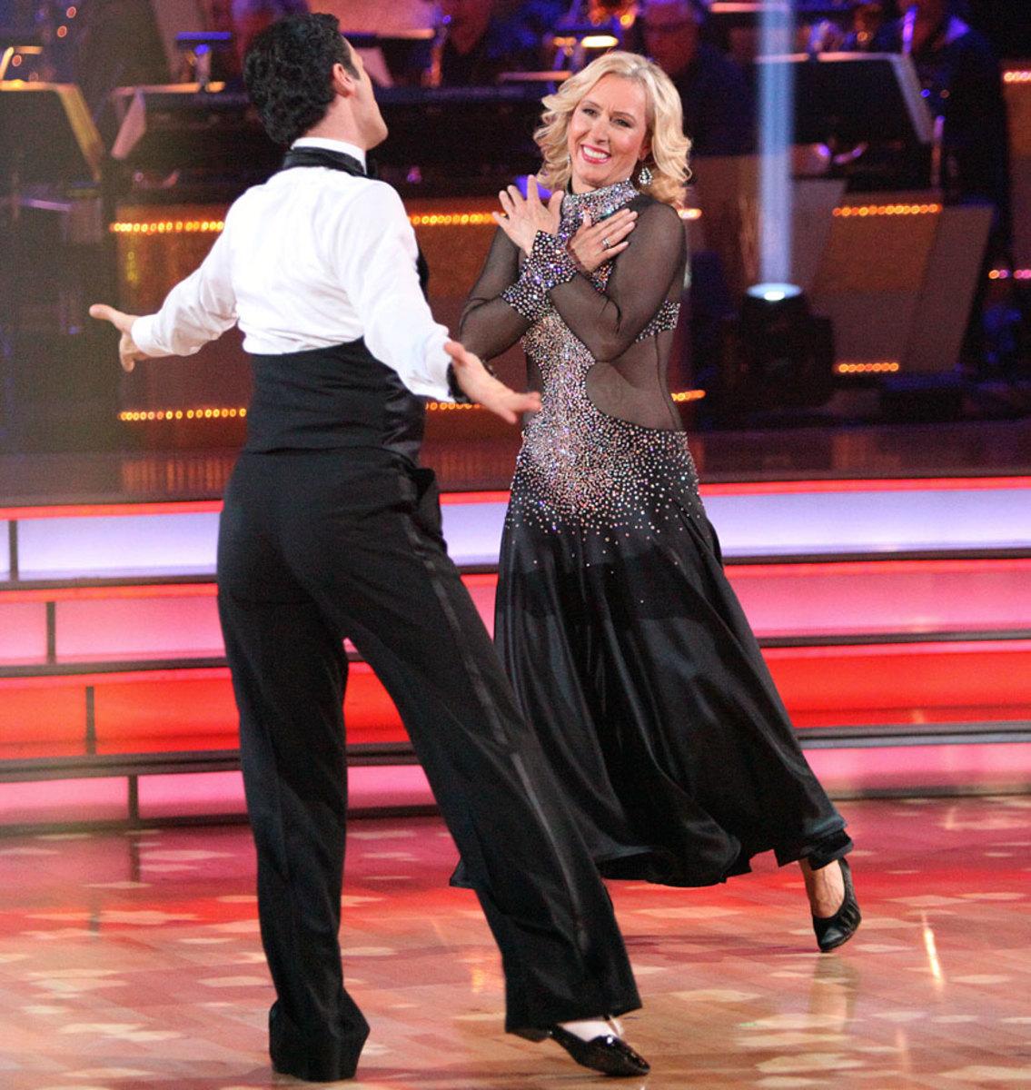 martina-navratilova-tony-dovolani-dancing-with-the-stars.jpg