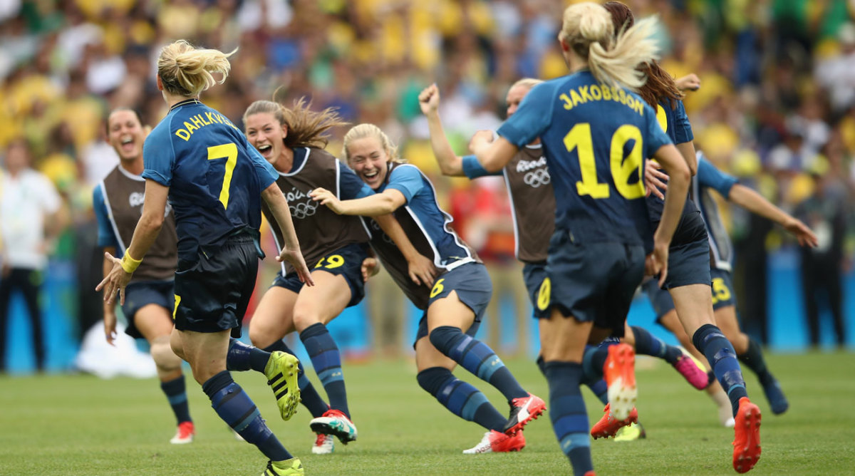 The teams recently met in a group, and the swedes visually easily defeated the australians with a score of 4:2. Brazil vs Sweden: Swedes ride PKs to Olympics gold medal ...
