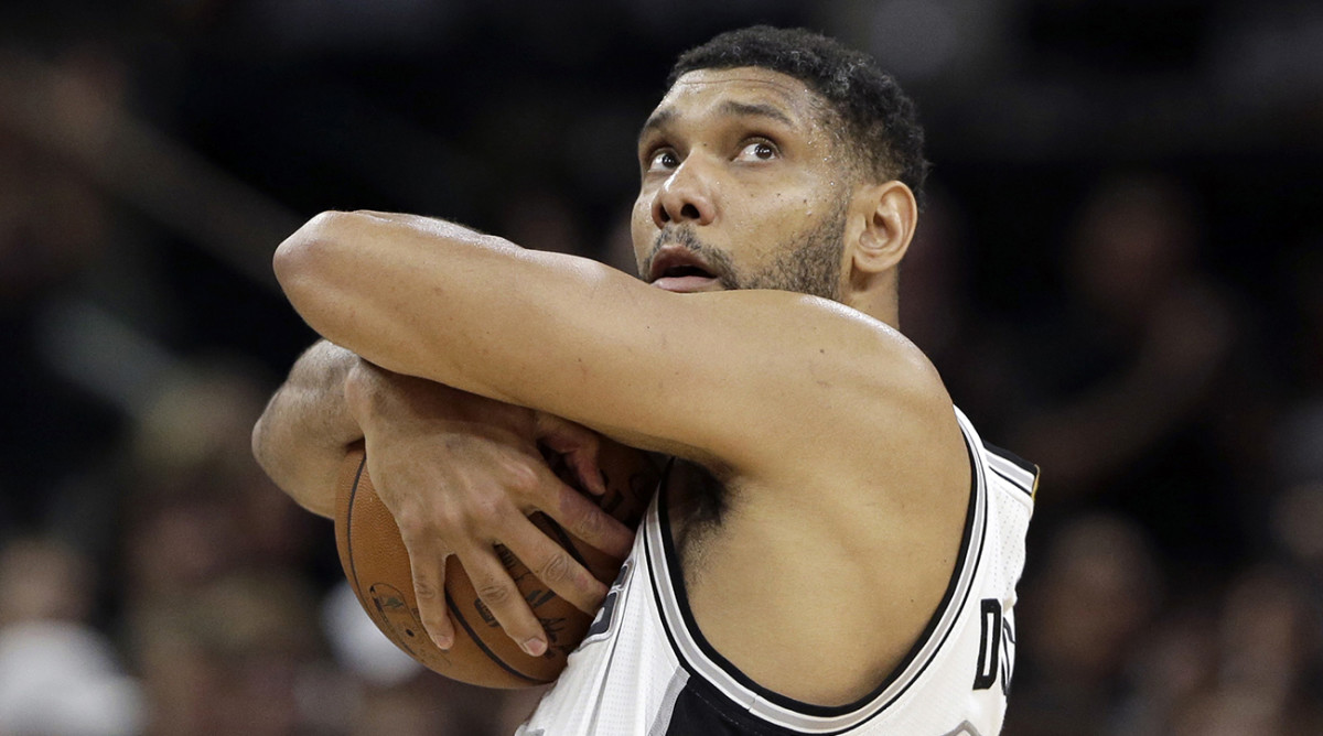 Spurs retire Tim Duncan's jersey after Sunday's game