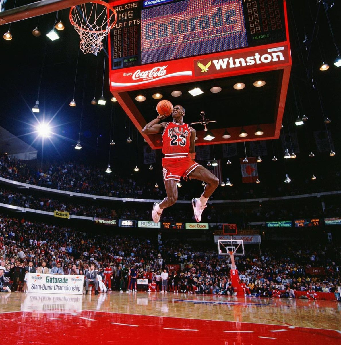 23-Michael-Jordan-001238167.jpg