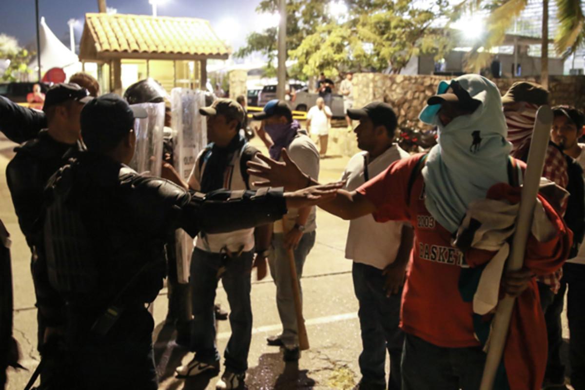mexico-acapulco-protestors.jpg