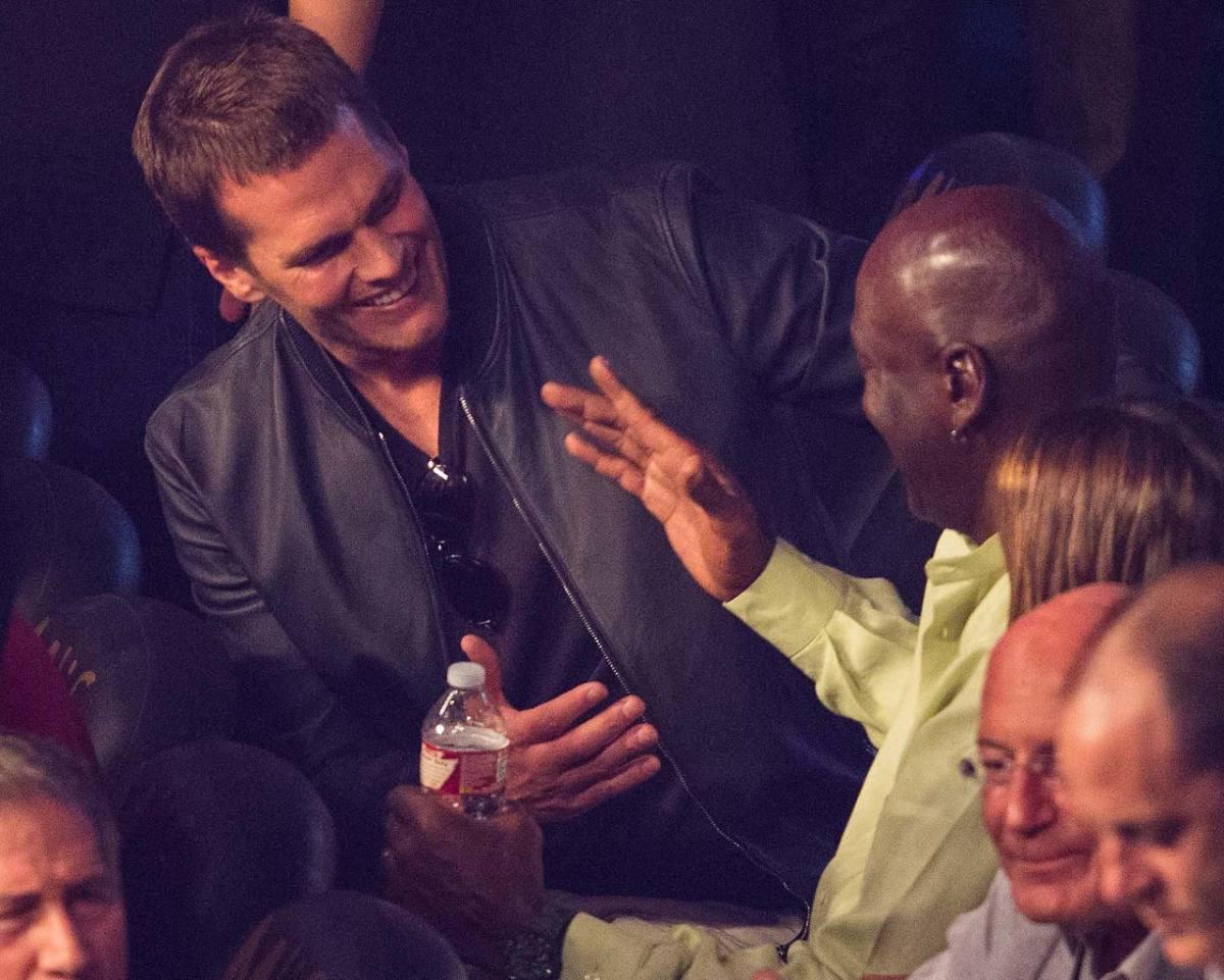 Tom-Brady-Michael-Jordan-Mayweather-fight.jpg