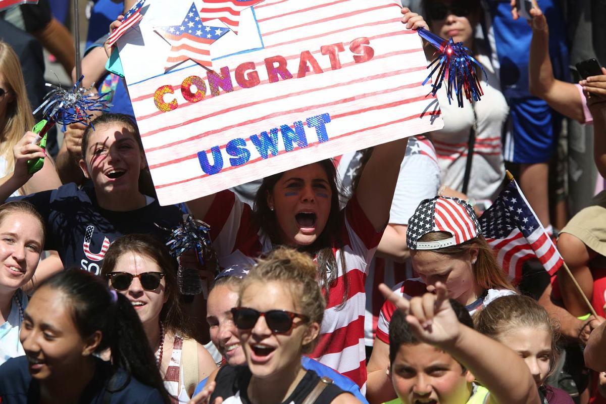 USWNT-parade-NYC-X159776_TK1_057.jpg
