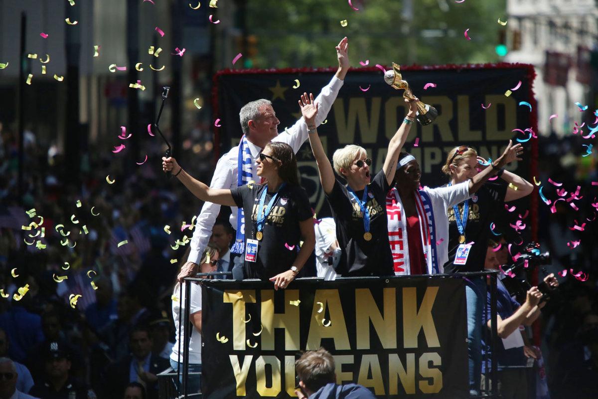 USWNT-parade-NYC-X159776_TK1_042.jpg
