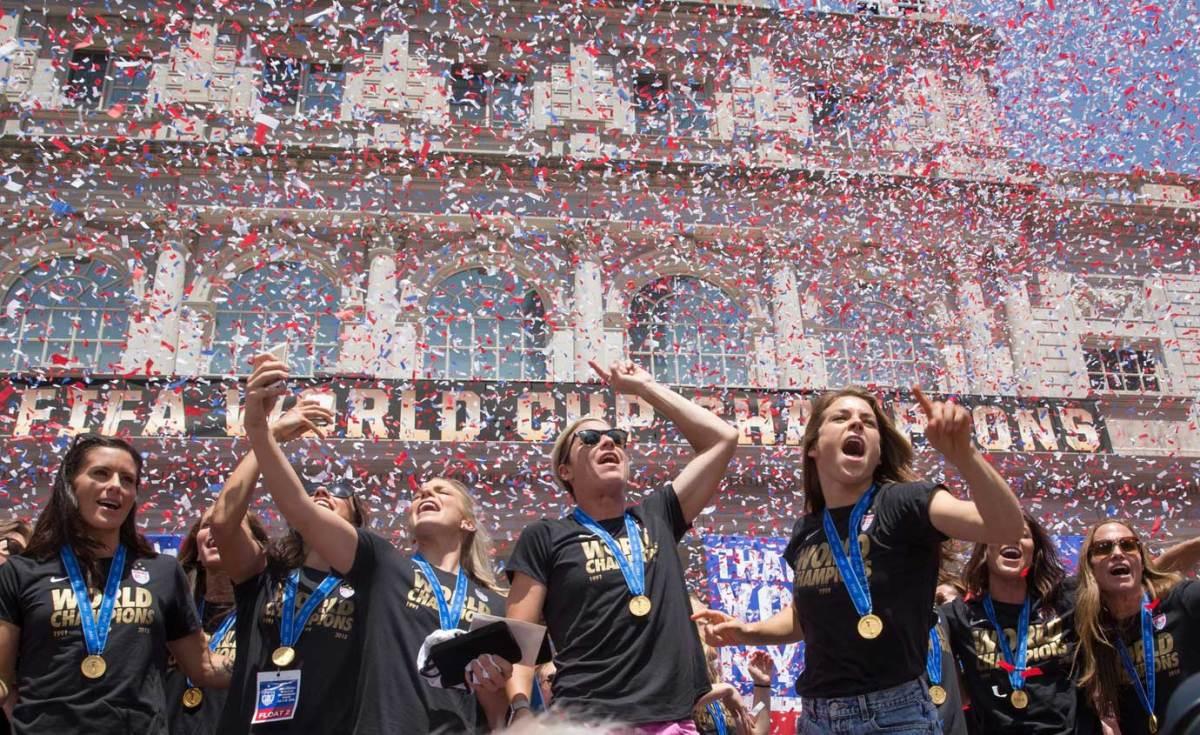 USWNT-parade-NYC-X159775_TK1_031.jpg