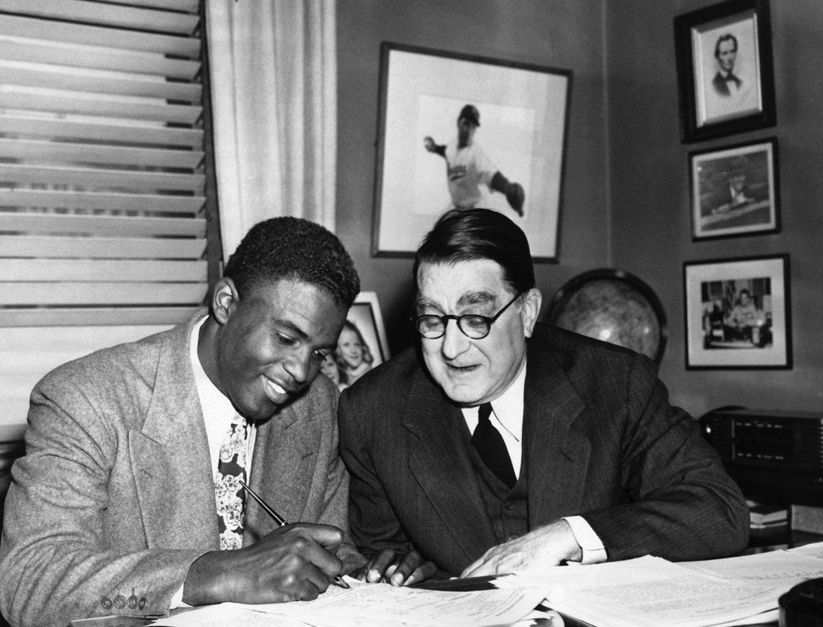 1948-Jackie-Robinson-Branch-Rickey.jpg