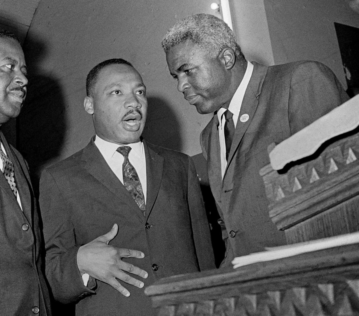 1963-Martin-Luther-King-Jackie-Robinson.jpg