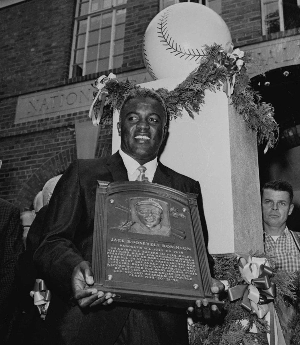 1962-Jackie-Robinson-Hall-of-Fame.jpg