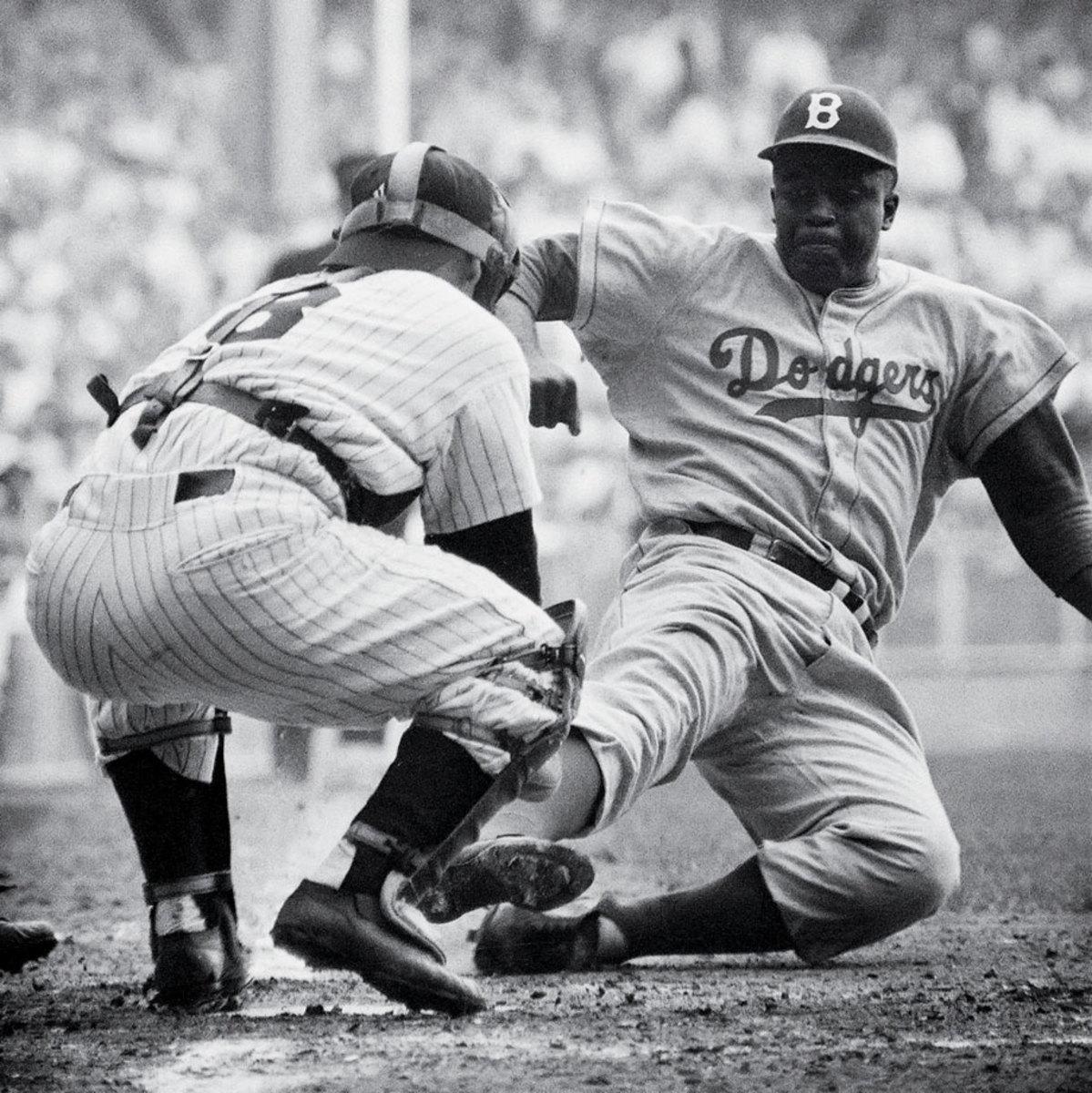 1955-Jackie-Robinson-Yogi-Berra.jpg