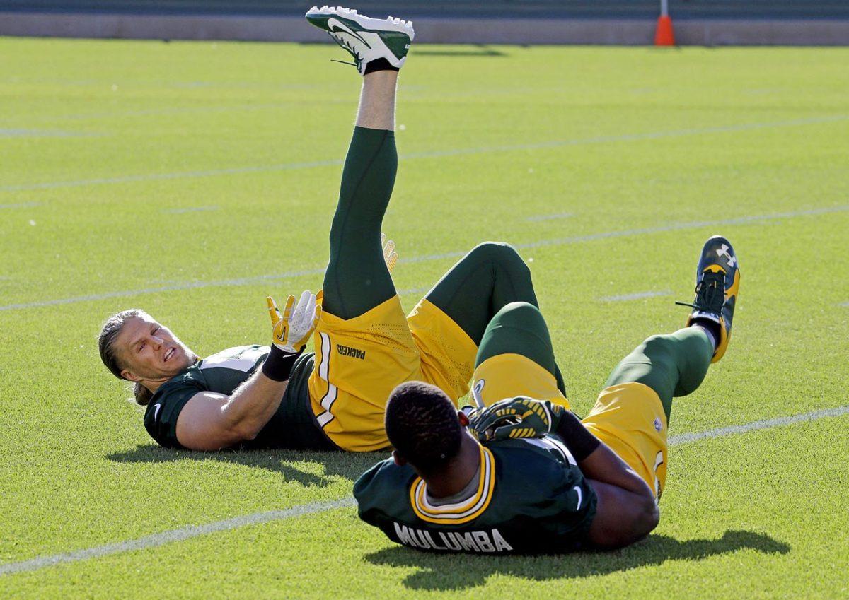 Green-Bay-Packers-Clay-Matthews-Andy-Mulumba.jpg