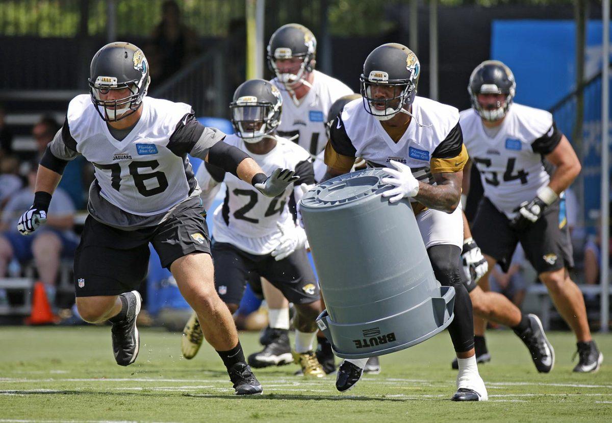 Jacksonville-Jaguars-Luke-Joeckel-Marcedes-Lewis.jpg