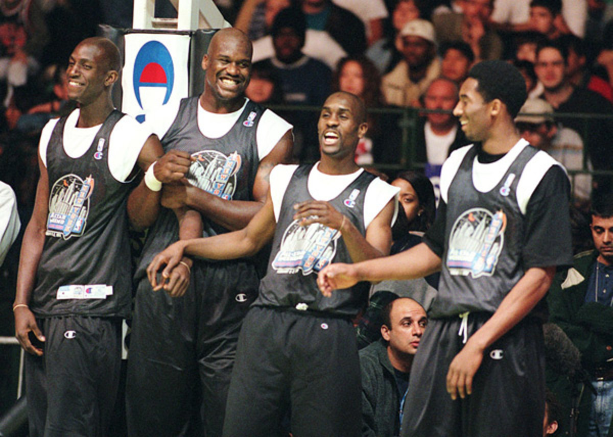 Kevin Garnett, Shaquille O'Neal, Gary Payton and Kobe Bryant (1998) :: Getty Images