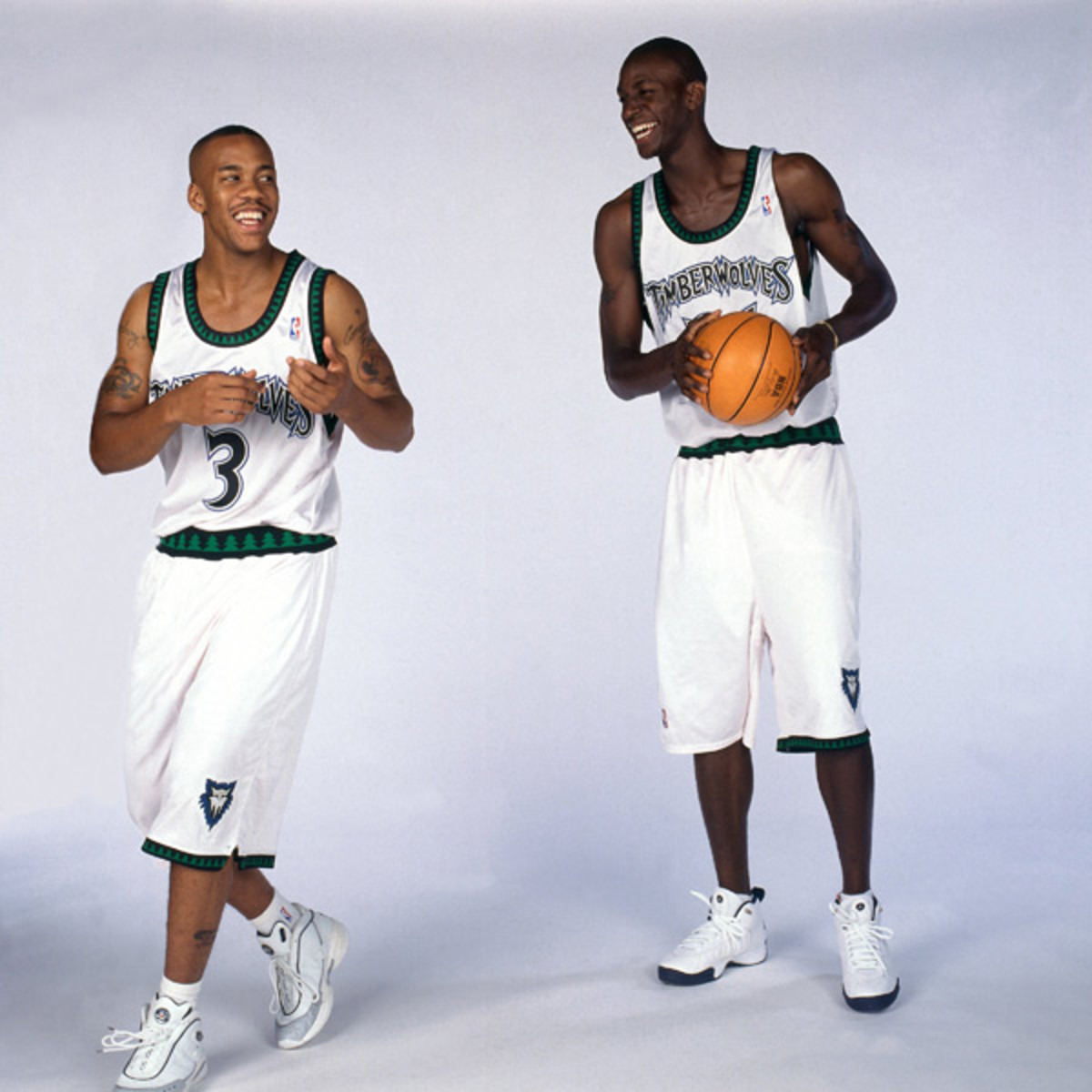 Stephon Marbury and Kevin Garnett (1998) :: Getty Images