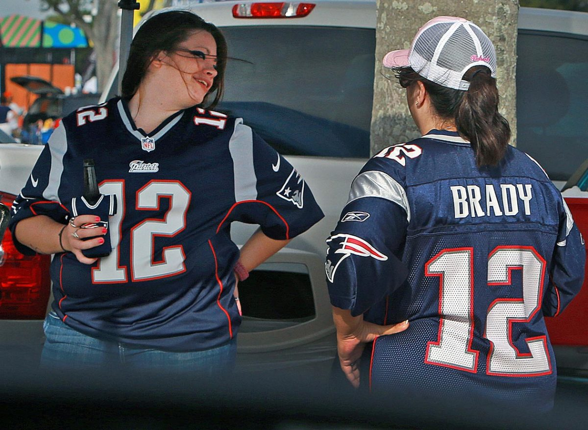 Patriots-fans-drinking.jpg