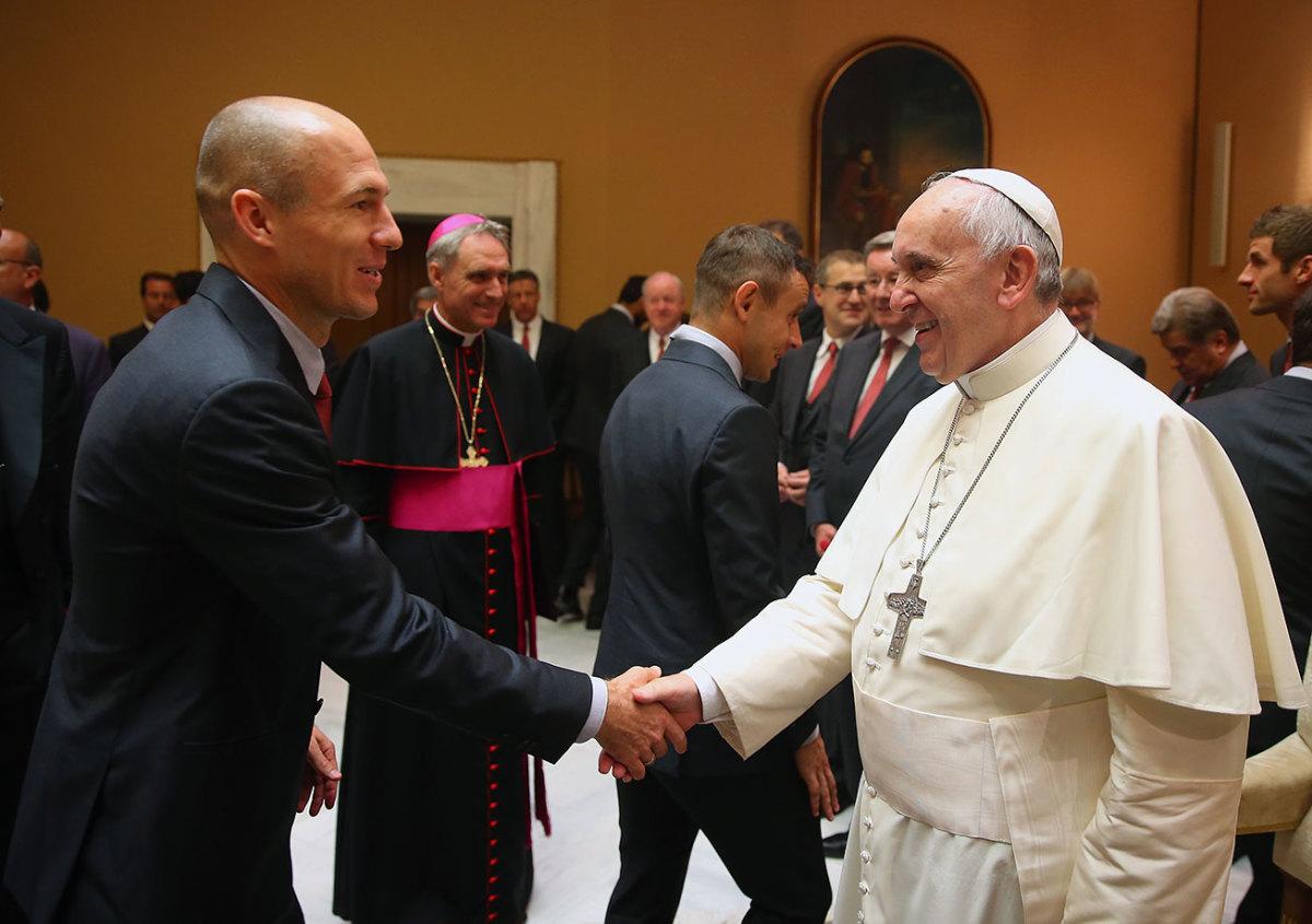 2014-1022-Arjen-Robben-Pope-Francis.jpg