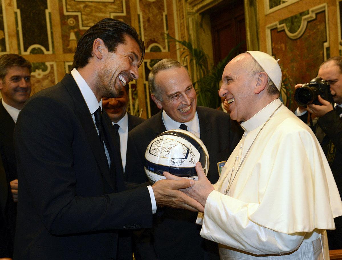 2013-0813-Gianluigi-Buffon-Pope-Francis.jpg