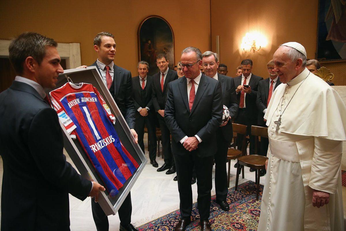2014-1022-Philipp-Lahm-Manuel-Neuer-Karl-Heinz-Rummenigge-Pope-Francis.jpg