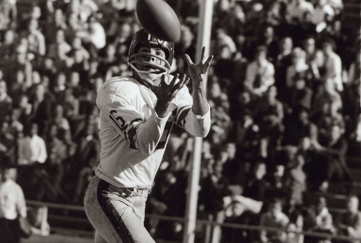 Frank-Gifford-catch.jpg