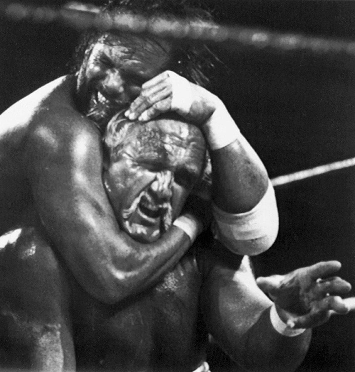 hulk-hogan-macho-man-randy-savage-wrestlemania-v.jpg