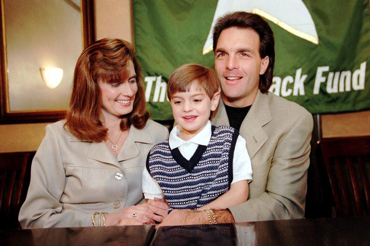 Doug-Flutie-wife-Laurie-son-Doug-Jr.jpg