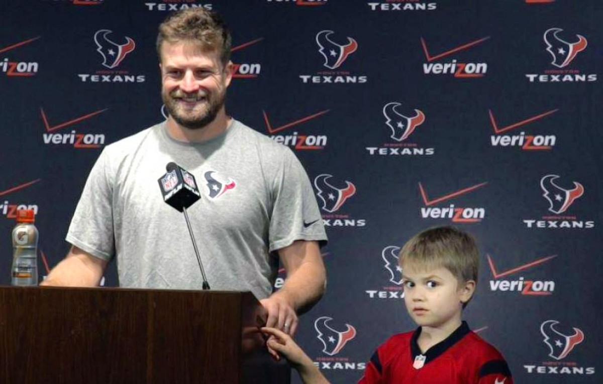 Ryan-Fitzpatrick-son-Brady.jpg