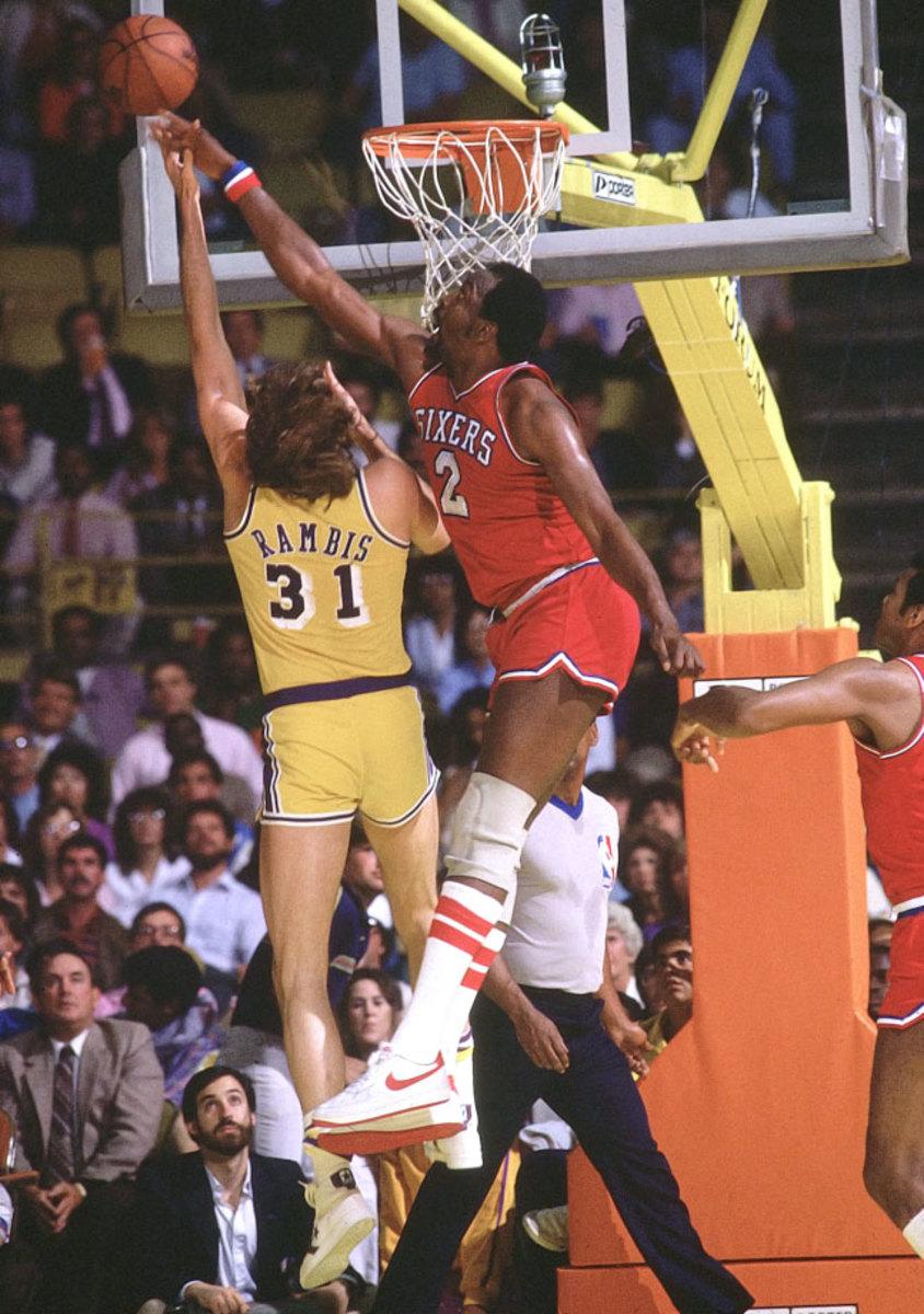 1983-Moses-Malone-Kurt-Rambis-001302005.jpg