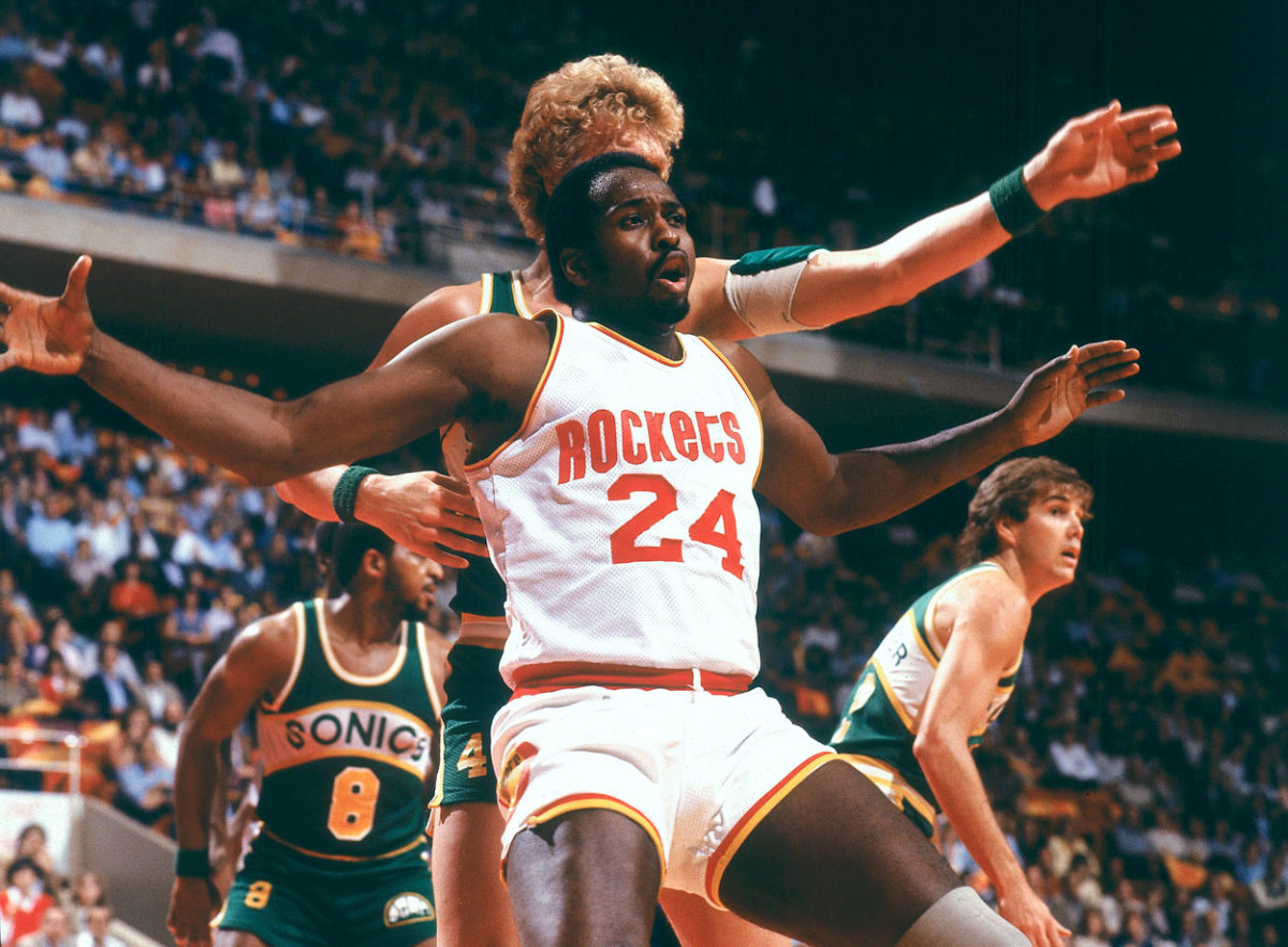 1982-Moses-Malone-079005624.jpg