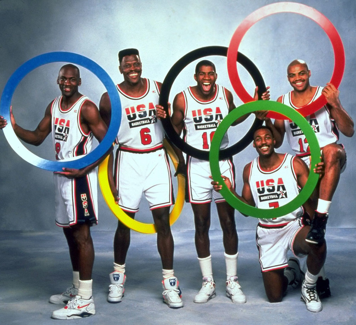 1992-Michael-Jordan-Patrick-Ewing-Magic-Johnson-Karl-Malone-Charles-Barkley-05047270.jpg