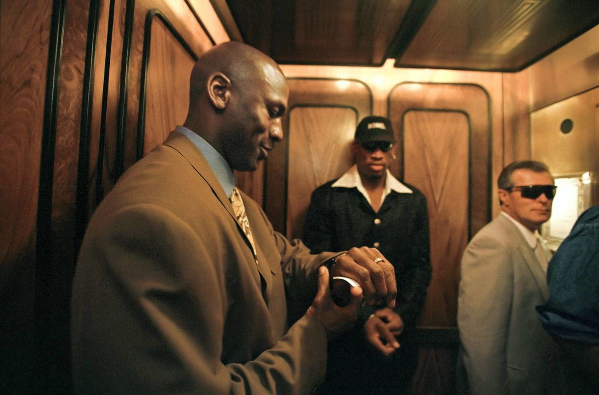 1998-0401-Michael-Jordan-Dennis-Rodman-05712870.jpg
