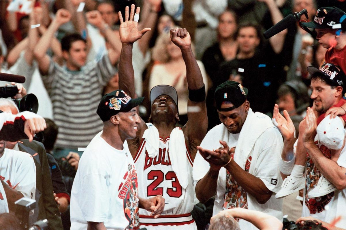 1997-Michael-Jordan-Scottie-Pippen-Dennis-Rodman-005566504.jpg