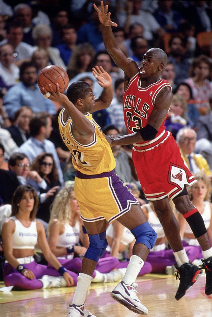 1991-Michael-Jordan-Magic-Johnson-079016271.jpg