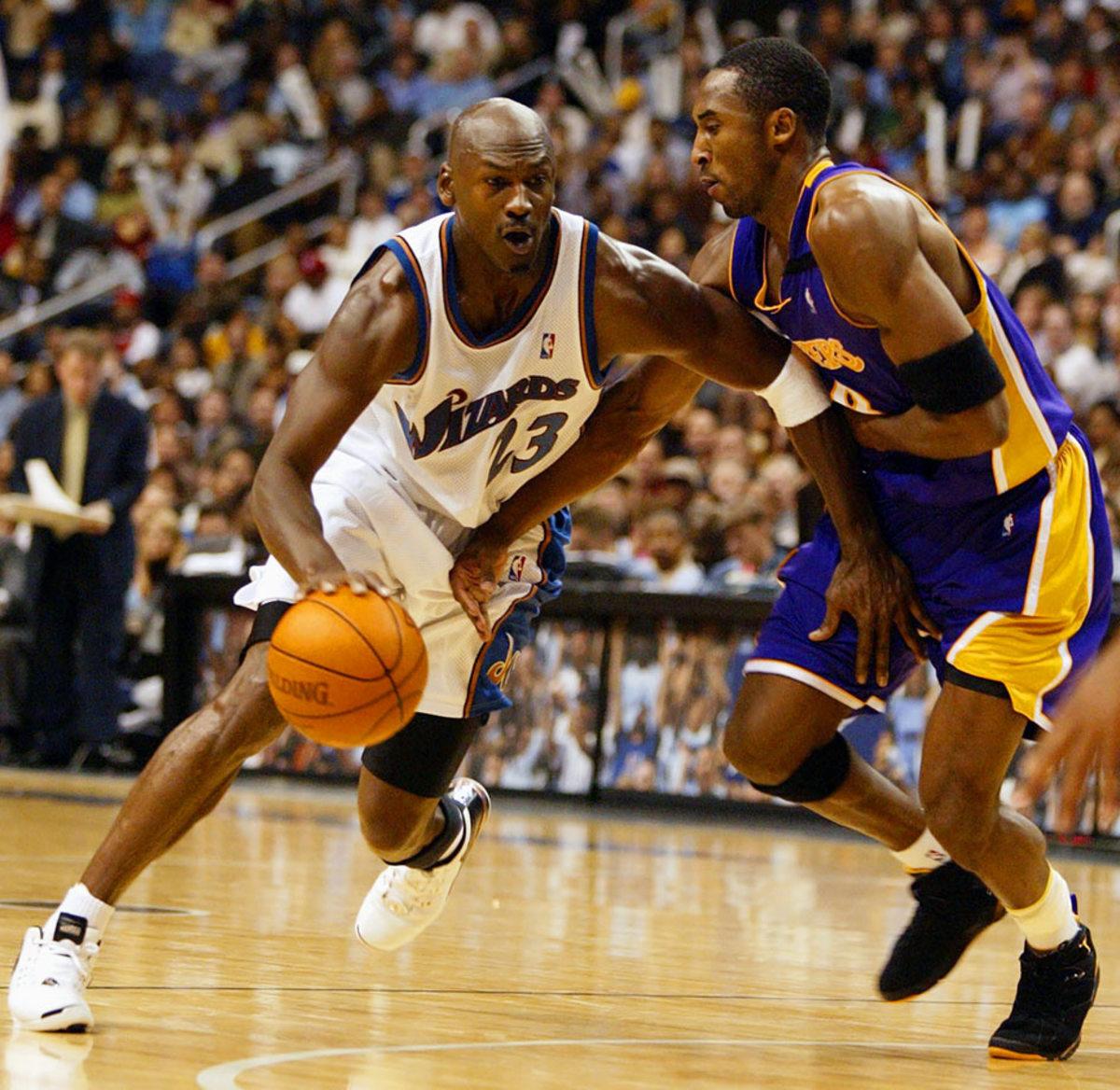 2002-1108-Michael-Jordan-Kobe-Bryant-001081290.jpg