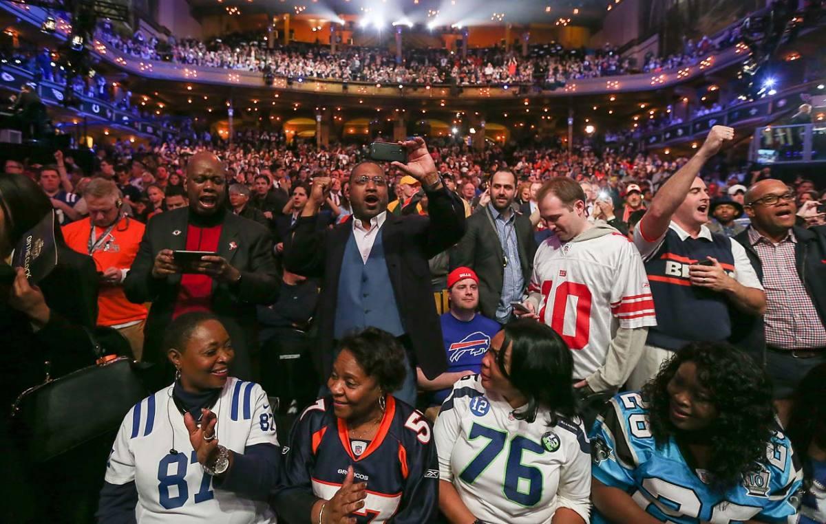 2015-nfl-draft-crowd.jpg