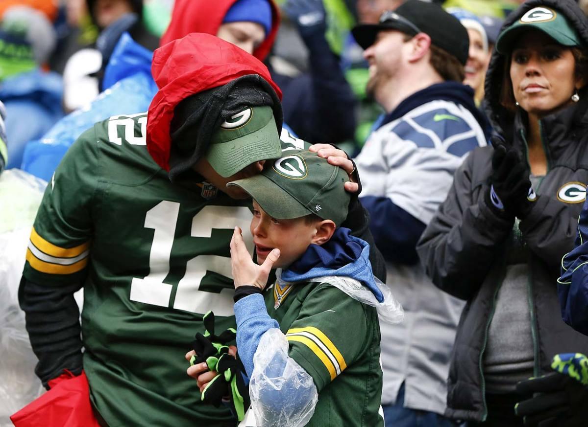 Seattle-fans.jpg