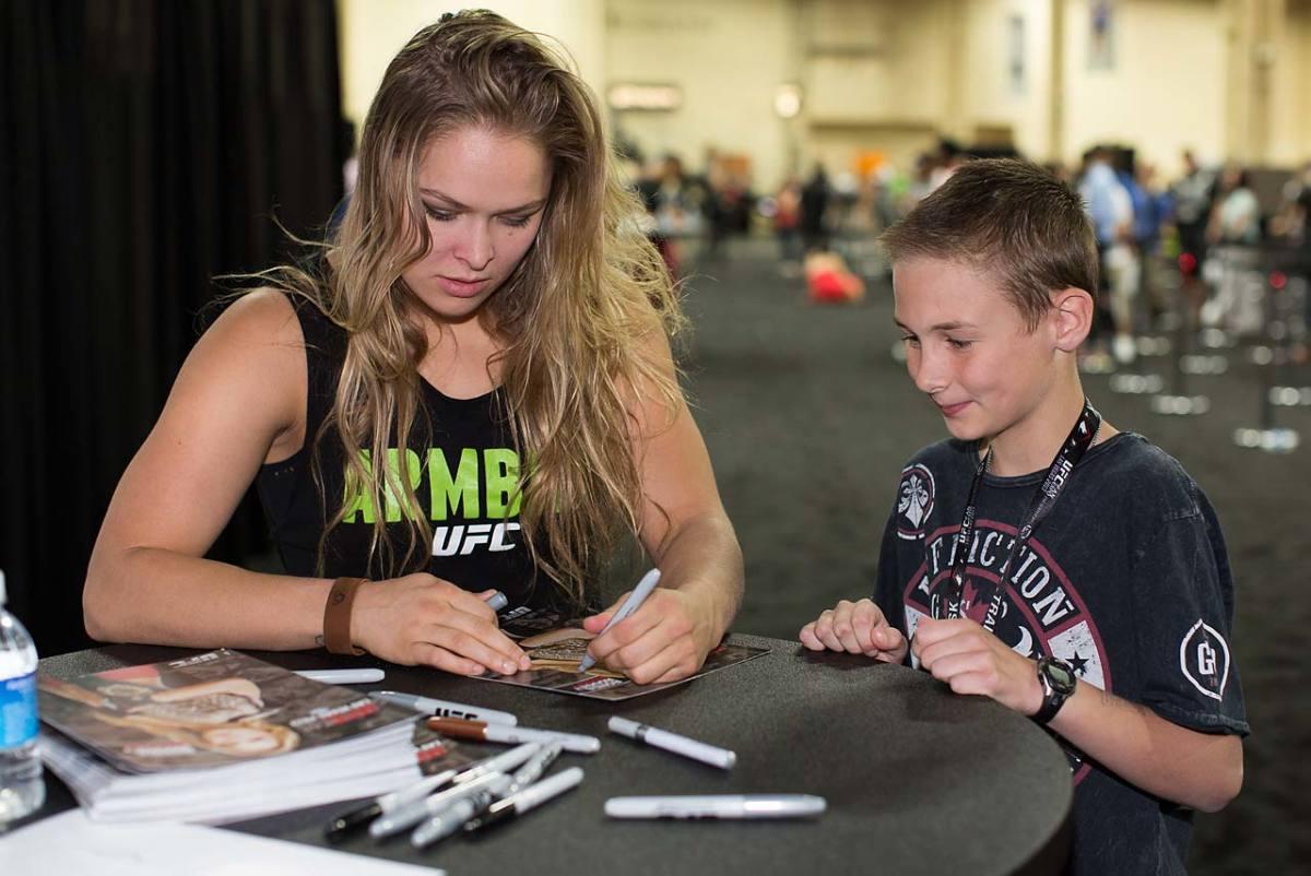 Ronda-Rousey-15.jpg