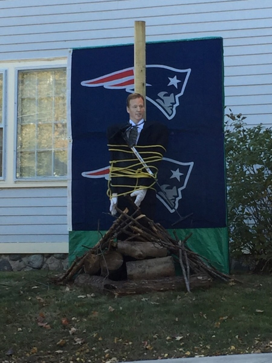 patriots-fan-roger-goodell-burned-stake-witch-photo.jpg