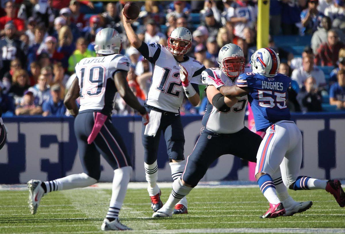 2014-1012-Tom-Brady-Brandon-LaFell.jpg