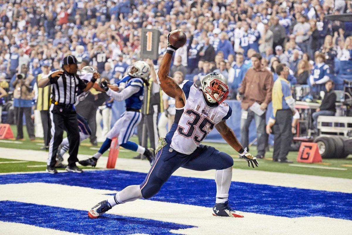 2014-1116-Jonas-Gray-touchdown-X158945_TK1_1728-.jpg