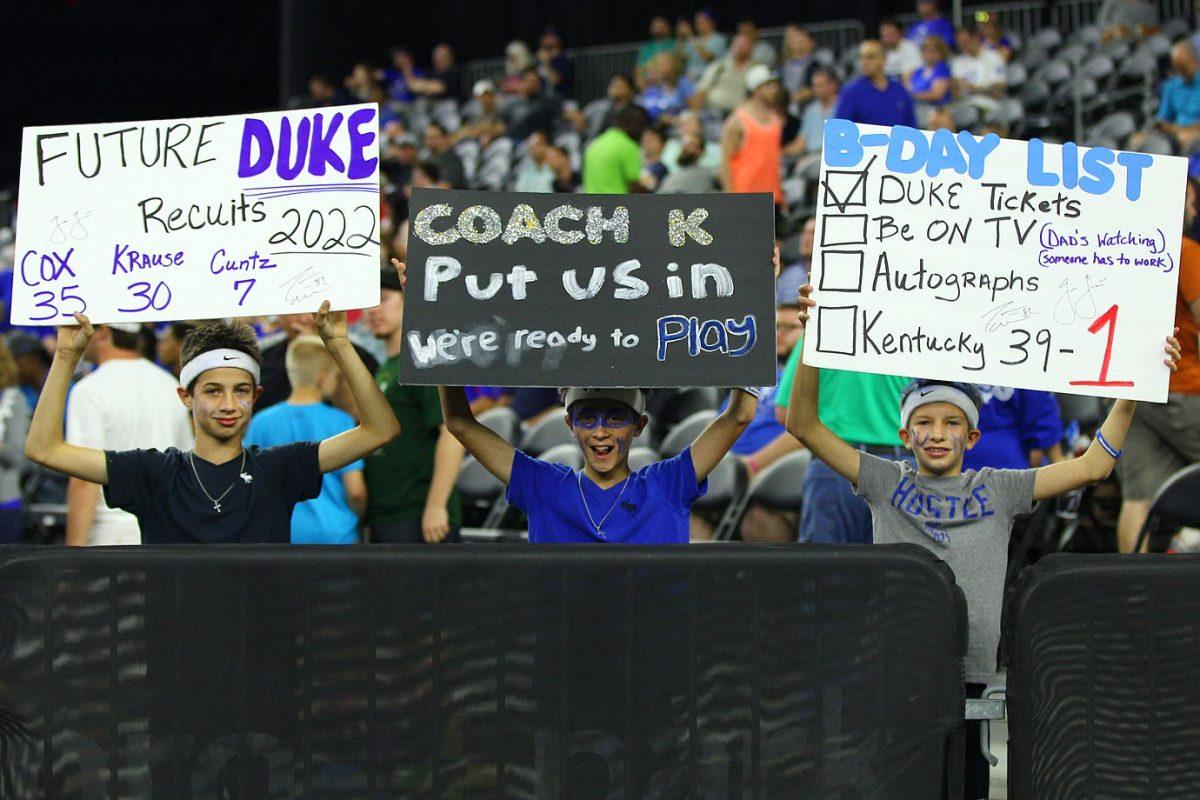 Duke-Blue-Devils-fans-DBA150329_Duke_vs_Gonzaga03.jpg