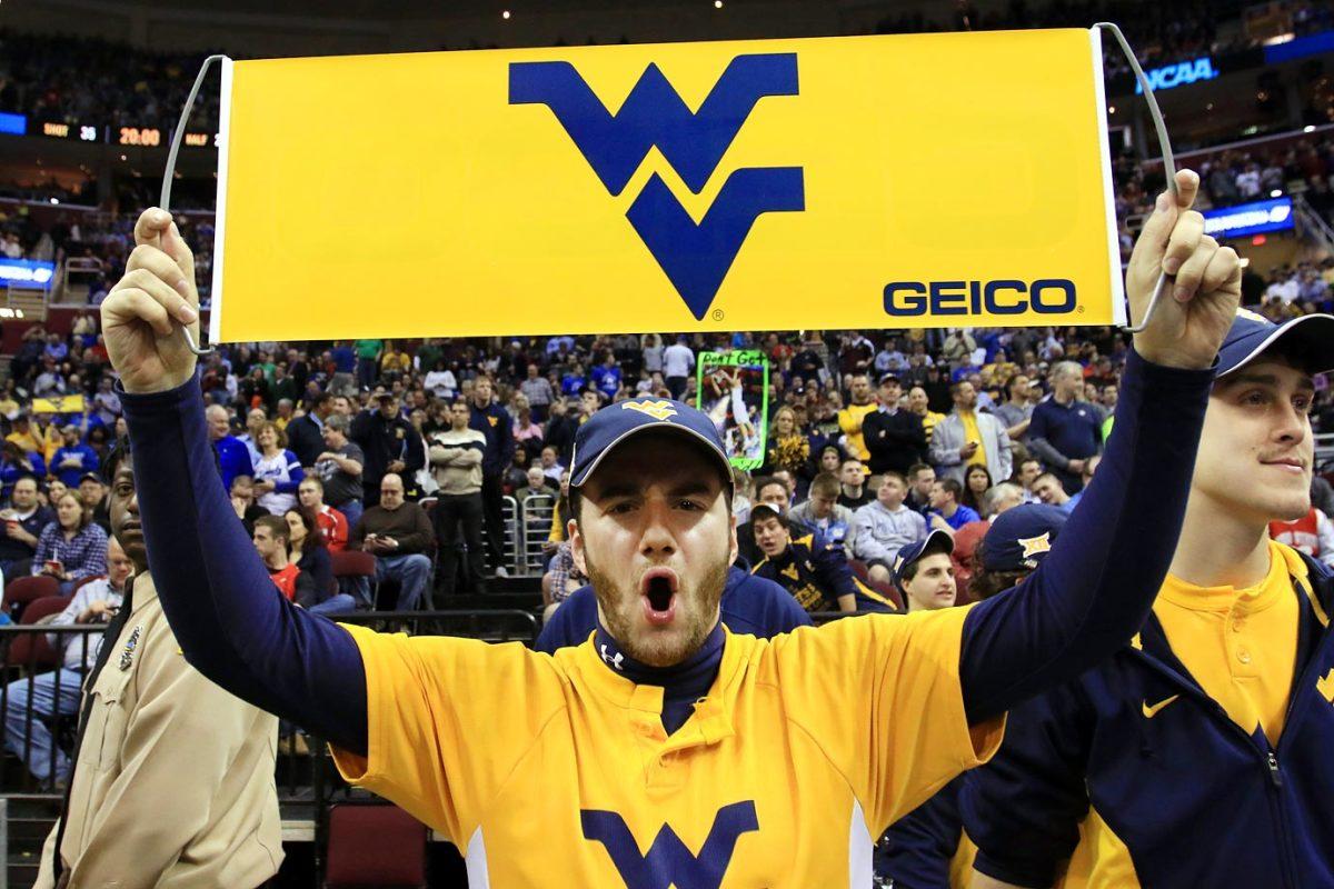West-Virginia-Mountaineers-fans-AP910213462875_4.jpg